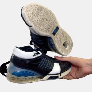 soporte y colgador de sneakers
