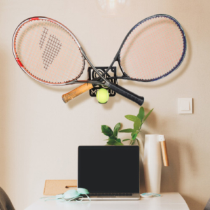 Tennis wall rack
